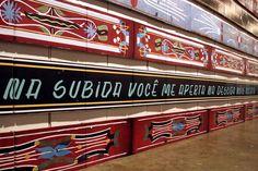Qual é a melhor frase de para-choque de caminhão nas paredes do SPFW? - Moda - UOL Mulher