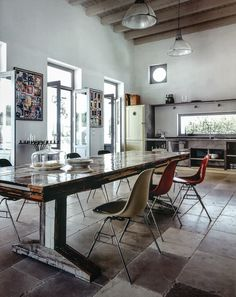 Colorful, earthy, urban feeling kitchen from the Danish magazine, Rum.