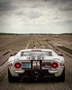 """utwo: """"GT40 © johnnybohmerracing """""""