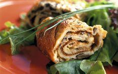 Sieni-munakasrulla Cabbage, Chicken, Meat, Vegetables, Food, Beef, Veggies, Veggie Food, Meals