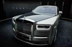 Phantom is the signature Rolls-Royce; an iconic and enduring interpretation of the modern motor car. Explore down for the Best Rolls Royce Phantom For Him. New Rolls Royce Phantom, Voiture Rolls Royce, Porsche, Audi, Rolls Royce Motor Cars, Cadillac, Mercedes Benz Logo, Amazing Cars, Sport Cars