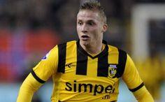 Alexander Büttner joins Man Utd on a five year deal