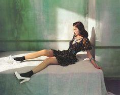 """""""Ritratti di Nuovo Stile"""": Mariacarla Boscono in Edward Hopper's Morning Sun by Javier Vallhonrat for Flair"""