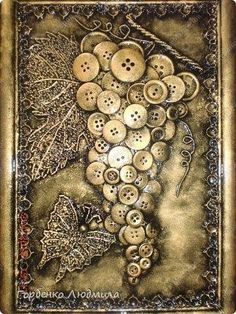 Inspiration to do a string art button craft Mixed Media Boxes, Mixed Media Collage, Mixed Media Canvas, Collage Art, Button Art, Button Crafts, Button Canvas, Altered Canvas, Altered Art