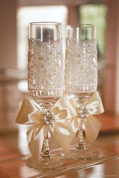 Wedding glasses | Купить Свадебные бокалы «Утро невесты» - стильные и красивые! Они выполнены в интернет магазине на Ярмарке Мастеров
