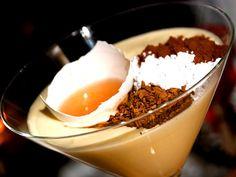 Äggtoddy à la Mannerheim - en smarrig dessert med smak av kaffe och konjak.