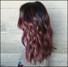 Are you looking to spice up your old hair and try something fun? These are the newest hair color trends that you need to try out immediately. 2018 is full of new hair color trends will make you feel brand new and confident. New Hair Color Trends, New Hair Colors, Hair Trends, Cabelo Rose Gold, Coiffure Hair, Ombré Hair, Hair Bow, Hair Bangs, Curls Hair