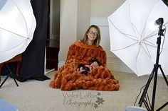 When a baby won't fall asleep during a newborn shoot Newborn Photography Tips, Toddler Photography, Love Photography, Photography Magazine, Baby Poses, Newborn Poses, Newborn Shoot, Newborns, Newborn Pictures
