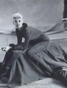 ☆ Linda Evangelista | Photography by Steven Meisel | For Alberta Ferretti Campaign | Fall 1991 ☆ #Linda_Evangelista #Steven_Meisel #Alberta_Ferretti #1991