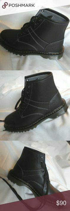 Dr Martens Iconic Eyelet Boots Size 12 New, excellent condition, Dr. Martens Shoes Boots