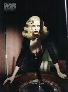 Lara Stone photographed by Paolo Roversi - Vogue Italia: November 2009 - Style Noir