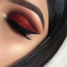 Amazing Red Eyeshadow Makeup Ideas For Your Inspiration In Holiday Sesaon; Makeup Looks; Holiday Makeup Looks; Natural Looks; Red Eyeshadow Makeup Looks; Red Eyeshadow Makeup, Mauve Makeup, Eye Makeup Art, Colorful Eye Makeup, Creative Eye Makeup, Red Glitter Eyeshadow, Eyeshadow Ideas, Gel Eyeliner, Beauty Makeup