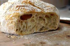 En doft av Nybakt: Kalljäst bröd i gjutjärnsgryta