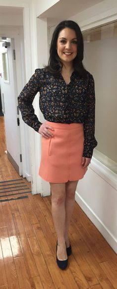 GMB weather girl Laura Tobin wearing La Redoute UK blouse and Dorothy Perkins shoes! Itv Weather Girl, Hottest Weather Girls, Kate Garraway, Tv Girls, Tv Presenters, Spice Girls, Amazing Women, Leather Skirt, Fashion Beauty