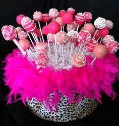 Pink cake pops - Girl B'day or bachelorette party