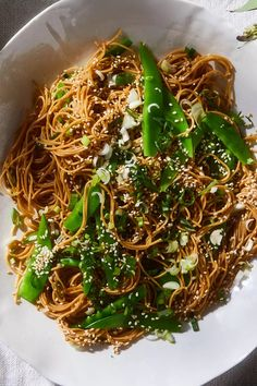 With the gingery noodle salad, cutting the vegetables in thin strips and then flash-cooking them is the key technique for ultimate twirling. Meat Recipes, Asian Recipes, Vegetarian Recipes, Cooking Recipes, Healthy Recipes, Vegetarian Diets, Drink Recipes, Healthy Meals, Healthy Eating Tips