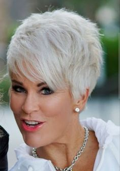 Gray Lace Frontal Wigs black and white split wig – Fashion Wigs Stylish Short Hair, Short Grey Hair, Short Hair Cuts, Soft Hair, Silky Hair, Pixie Hairstyles, Pixie Haircut, Haircuts, Curly Hair Styles