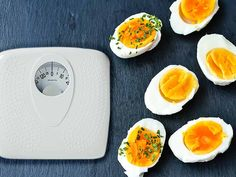 The boiled egg diet: lose 24 pounds in 2 weeks low-carb meals диета, здоров Healthy Foods To Eat, Healthy Snacks, Healthy Eating, Clean Eating, Boiled Egg Diet Plan, Meal Plans To Lose Weight, Diet Challenge, Diet Snacks, Salads