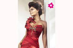 Vestidos vermelhos sempre caem bem na ariana.