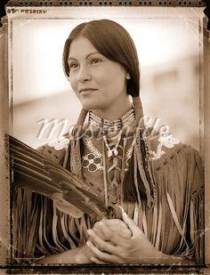 Portrait of Native American Cree Woman - Stock Photos : Masterfile Native American Girls, Native American Beauty, Native American Photos, Native American Tribes, Native American History, American Indians, Cree Indians, Black Indians, Indian People