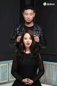 Song Ji Hyo and Kang Gary for Kyung Dong Pharmaceutical Running Man Korean, Ji Hyo Running Man, Gary And Ji Hyo, Running Man Members, Monday Couple, Korean Variety Shows, Girl Body, Korean Actresses, Jinyoung