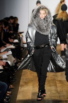 Michael Kors Collection Fall 2010 Ready-to-Wear Fashion Show - Kelli Lumi