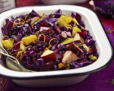 Salade de chou rouge à la pomme et à l'orange pour bien digérer : http://www.fourchette-et-bikini.fr/recettes/recettes-minceur/salade-de-chou-rouge-la-pomme-et-lorange-pour-bien-digerer.html