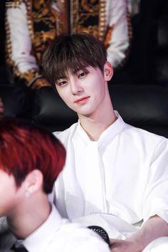 Let me breath 😂 📌Pict is not mine. Pict belong to owner. Cr: On pict Korean Entertainment, Pledis Entertainment, Busan, My Boys, Boys Who, Jung Jin Woo, Nu Est Minhyun, Cute Asian Guys, Talk About Love
