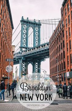 One day in Brooklyn New York City. Stroll through Williamsburg sample some of Brooklyns best food see the Manhattan skyline and walk across the Brooklyn Bridge. - Travel New York - Ideas of Travel New York Nyc Skyline, Skyline Von New York, Manhattan Skyline, Lower Manhattan, Manhattan Bridge, Manhattan New York, Brooklyn Bridge, Brooklyn New York, New York Bridge