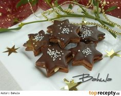 Čokoládové hvězdičky s kokosovou náplní Christmas Sweets, Christmas Candy, Christmas Baking, Christmas Cookies, Czech Recipes, Desert Recipes, Biscotti, Gingerbread Cookies, Nutella