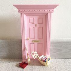 Las auténticas puertas para el ratoncito perez españolas,puertas ratón perez,puerta ratoncito perez,regalo original niños.Toothfairy door,baby deco,kids deco trend
