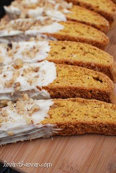 Pumpkin Gingerbread Biscotti - Lovin' From The Oven. Made Sept Does need a sugar or chocolate drizzle. Would use pumpkin seeds. Pumpkin Recipes, Fall Recipes, Holiday Recipes, Cookie Recipes, Dessert Recipes, Biscotti Cookies, Pumpkin Biscotti, Almond Cookies, Chocolate Cookies