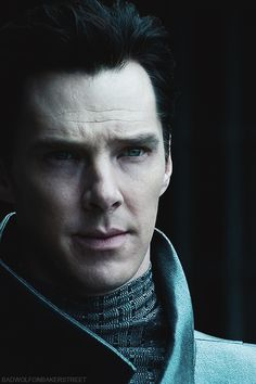 Khan, oh my gosh I gasped at this picture.  He's hypnotic, not a damn bit fair either.