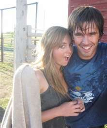 Amber and Graham after the water fight from season 2