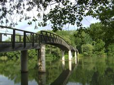 Pasarela del rio en el Parque de la Mitjana, Lleida Barcelona, Nature, Pyrenees, Walkway, Parks, Naturaleza, Barcelona Spain, Nature Illustration, Off Grid