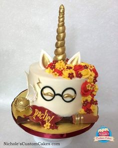 Oh yasss! My sister loves unicorns and Harry Potter! This is perfect. Oh yasss! My sister loves unicorns and Harry Potter! This is perfect. Gateau Harry Potter, Harry Potter Birthday Cake, Harry Potter Food, Harry Potter Theme, Cake Recipes, Dessert Recipes, Cool Birthday Cakes, Birthday Ideas, Birthday Cupcakes