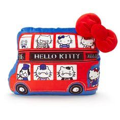 ロンドンバス形のクッションは裏側もかわいいデザイン★プックリとしたキティリボンがポイント♪ Sanrio Hello Kitty, Snoopy, Dolls, Cute, Household, Fictional Characters, Baby Dolls, Doll, Kawaii