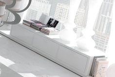 Urzekająca biel w salonie #livingroom #white #italianstyle