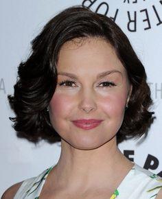 Ashley Judd short bob with soft curls