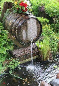 garten brunnen Wooden barrel waterfall over a backyard garden pond Backyard Water Feature, Large Backyard, Ponds Backyard, Garden Ponds, Backyard Ideas, Desert Backyard, Backyard Waterfalls, Balcony Garden, Backyard Patio