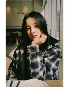 ↻YeonWoo molestaba a Nancy con memes. Nancy Momoland, Nancy Jewel Mcdonie, Korean Beauty Girls, Korean Girl, Asian Girl, Asian Beauty, Kpop Girl Groups, Kpop Girls, Close Up