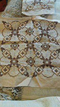 Beaded Embroidery, Hand Embroidery, Cross Stitch Patterns, Crochet Patterns, Needlepoint, Diy And Crafts, Bargello, Carpet, Point Lace