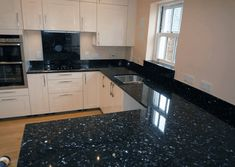 Black Pearl Granite Countertops With White Cabinets - Kitchen is an important location wherever your special someone spends Kitchen Room Design, Modern Kitchen Design, Interior Design Kitchen, Kitchen Ideas, Black Kitchen Countertops, Black Quartz Countertops, Kitchen Cabinets, Stone Kitchen, Cuisines Design