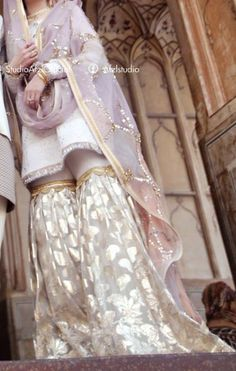 An elegant bridal outfit Bridal Mehndi Dresses, Nikkah Dress, Shadi Dresses, Pakistani Formal Dresses, Pakistani Wedding Outfits, Bridal Dress Design, Pakistani Dress Design, Pakistani Wedding Dresses, Bridal Outfits