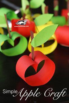 A Pritt Kreatív Klubbanhétről hétre gyermekekkel is könnyen megvalósítható ötleteket találtok. Rovatunk igazodv... Kids Crafts, Fall Crafts For Kids, Toddler Crafts, Art For Kids, Apple Activities, Autumn Activities, Craft Activities, Fruit Crafts, Apple Art