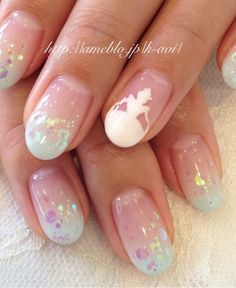 how beautiful!! cinderella nails<3