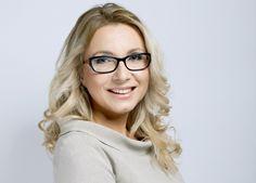 Joanna Olejek - Właścicielka Multi Niania i Multi Lingua, anglistka po UW i politolog, absolwentka UMCS, ukończyła również studia podyplomowe na Katedrze Języków Specjalistycznych UW z tłumaczeń tekstów specjalistycznych.
