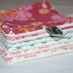 Lot de 6 lingettes/débarbouillettes lavables en coton bio pour fille http://kumoandfriends.alittlemarket.com/
