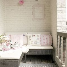 Small Patio Design Ideas, Pictures, Remodel, and Decor - page 2 i like the painted brick! Wall Design, House Design, Brick Design, Patio Design, White Wash Brick, White Bricks, Balkon Design, Decoration Inspiration, Style Inspiration