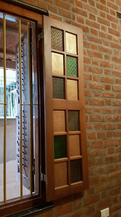 Indian Home Design, Indian Home Interior, Kerala House Design, Indian Home Decor, Main Door Design, Brick Design, Window Design, Traditional Doors, Traditional House